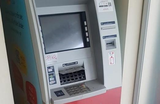 В Харкові знов пошкодили банкомат