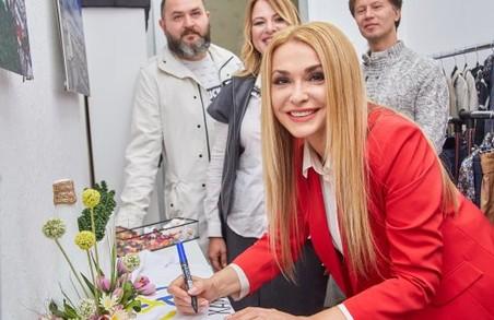 На «Kharkiv Fashion» Ольга Сумська презентує свою першу колекцію одягу