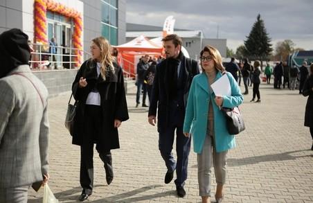 Ректори в аеропорту розкопали реліквію Агропорта (ФОТО)