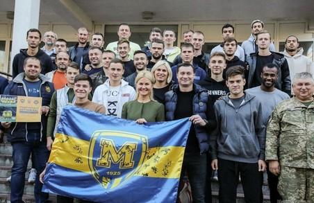 Світлична разом із гравцями ФК «Металіст 1925» відвідала воїнів ООС у харківському шпиталі (ФОТО, ВІДЕО)
