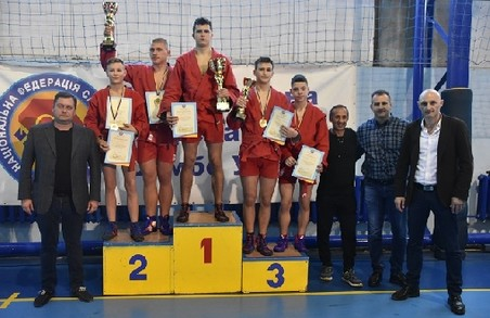 Юні самбісти з Харківщини стали переможцями чемпіонату України