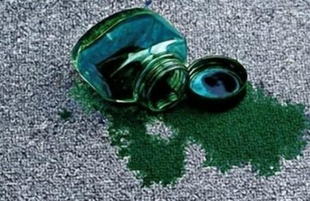 У Харкові чиновника мерії облили зеленкою: поліція відкрила кримінальне провадження