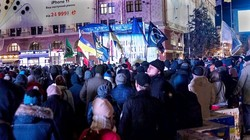 «Ми маємо гідність»: У центрі Харкова знову зібрався майдан (ФОТО)