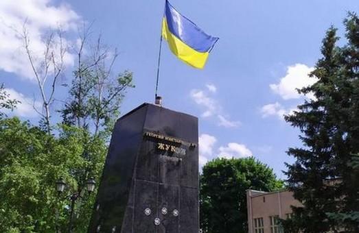 Григоренко чи Жуков: Куди щезають голоси щодо перейменування проспекту