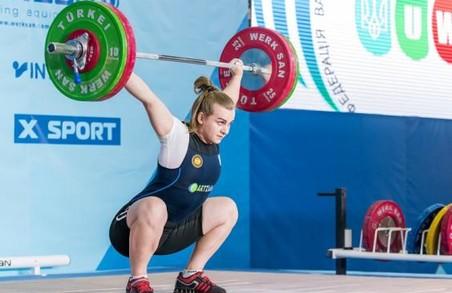 Харківські важкоатлетки з рекордами перемогли на чемпіонаті України