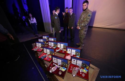 У Харкові бійців нагородили орденами «Народний Герой України» (ФОТО)