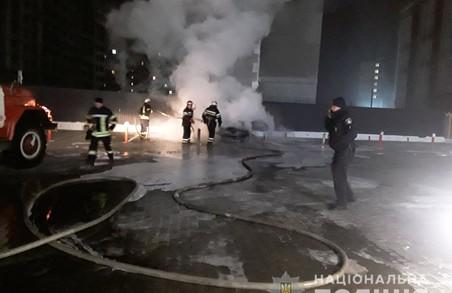 У Харкові вночі підпалили іномарку (ФОТО)