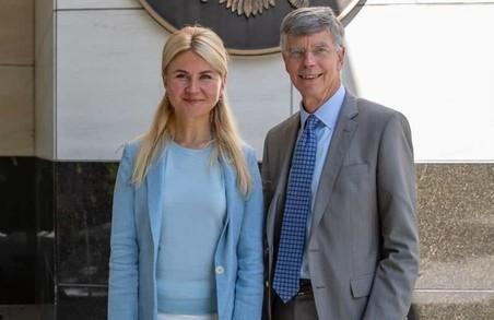 Світлична запросила Посла США Тейлора і команду посольства до Харкова