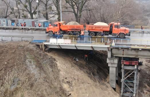 Відремонтований міст на Окружній обстежили експерти (ФОТО, ВІДЕО)