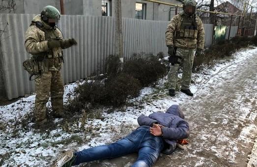 За спробу підірвати залізничні колії на Харківщині диверсант отримав 10 років тюрми (ФОТО)