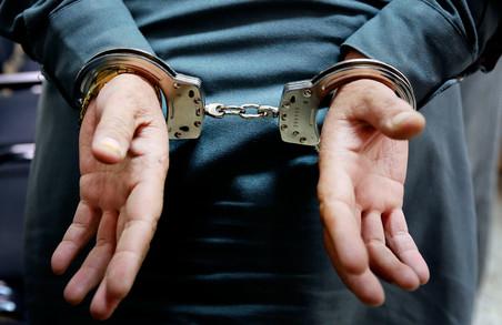 Поліцейські Харківщини протягом години розшукали чоловіка, причетного до розбійного нападу
