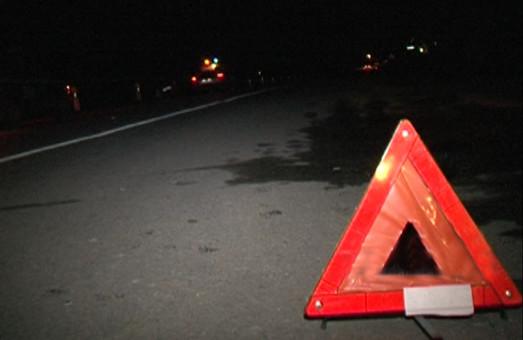 Під Харковом вантажівка зіткнулась з мікроавтобусом: пасажирку витягували рятувальники