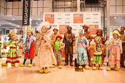 Живі скульптури повернулися: У Харкові стартував Всеукраїнський Фестиваль вуличного мистецтва (ФОТО)