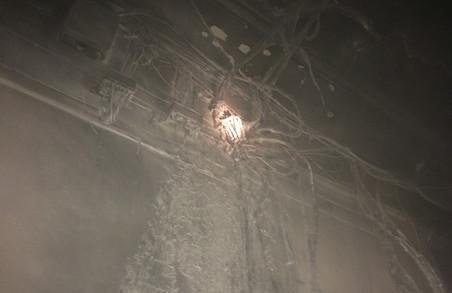 В центрі Харкова палала адмінбудівля: евакуйовано 40 людей (ФОТО)