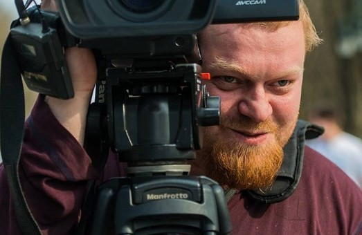 Побиття оператора в Харкові: підозрюваний проігнорував судове засідання