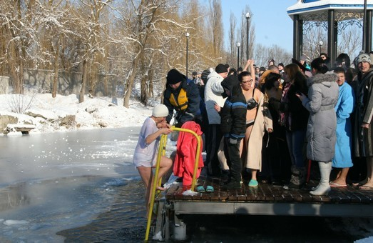Понад 1300 правоохоронців Харківщини забезпечать охорону публічного порядку на Водохреща