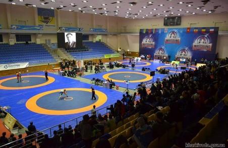 На міжнародному турнірі з боротьби харків'яни вибороли 6 медалей