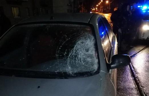 В Харкові жінка загинула під колесами іномарки (ФОТО)
