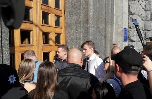 У Харкові активісти вибороли вільний доступ громадян на пленарні засідання сесій міськради