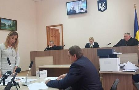 Підозрюваного в підпалі дверей Харківської ОДА залишили під вартою