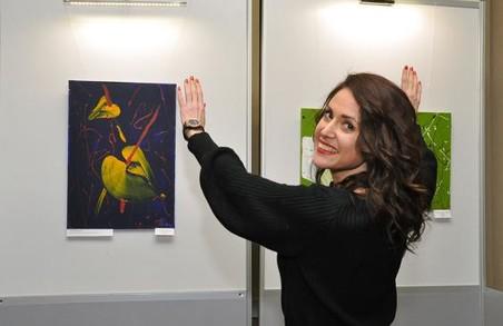 «Мистецтві Слобожанщини» запрошує харків'ян на зустріч з авторкою виставки «Фарби планети, на якій ти не був»