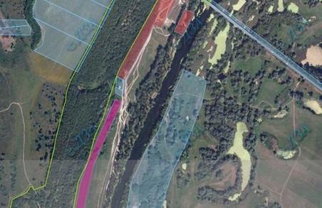 Судові засідання з повернення роздерибанених земель «Гомільшанським лісам» постійно переносяться – активісти