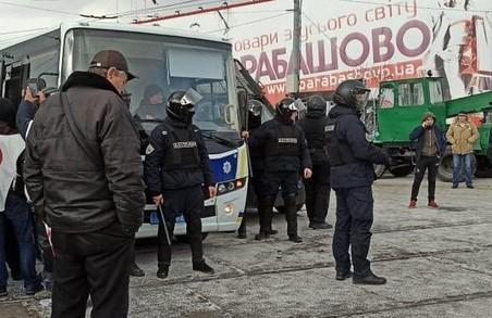 Сутички на «Барабашово»: у поліцію доставили 20 чоловік (ФОТО)
