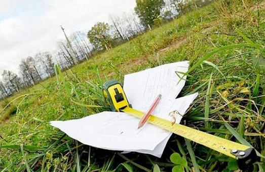 Махінації із землею на Харківщині: голові фермерського господарства повідомлено про підозру