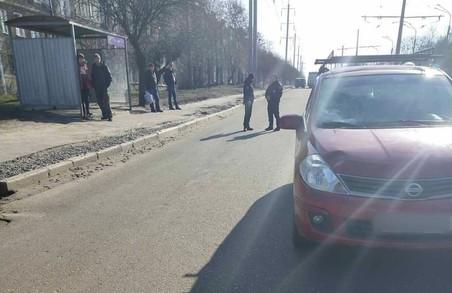 Поліція встановлює обставини аварії у Харкові, внаслідок якої загинула жінка