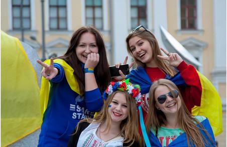 На Харківщині жінок більше за чоловіків – облстат надав статистику до 8 березня