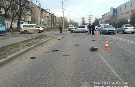 На Салтівському шосе в ДТП загинув мотоцикліст (ФОТО)