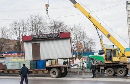 В Харкові демонтують понад 70 незаконних об'єктів