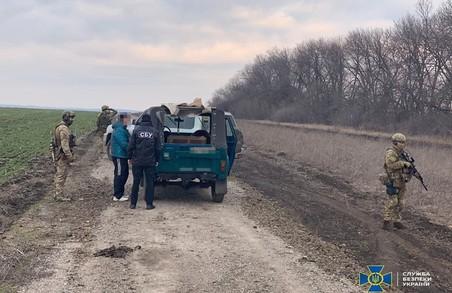 Двом контрабандистам, які постачали військову продукцію в РФ, повідомлено про підозру