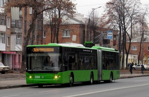 У Харкові громадський транспорт працює у колишньому режимі