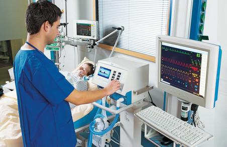 Лікарів у режимі онлайн навчатимуть користуватися апаратами ШВЛ