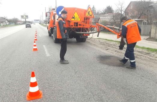 Триває аварійний ямковий ремонт на дорогах державного значення Харківщини