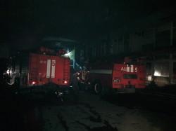 Як рятувальники ліквідували пожежу у торгівельному центрі «Барабашово» (ФОТО)