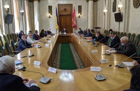 Харківські науковці й медики обговорили розроблення протоколів лікування COVID-19