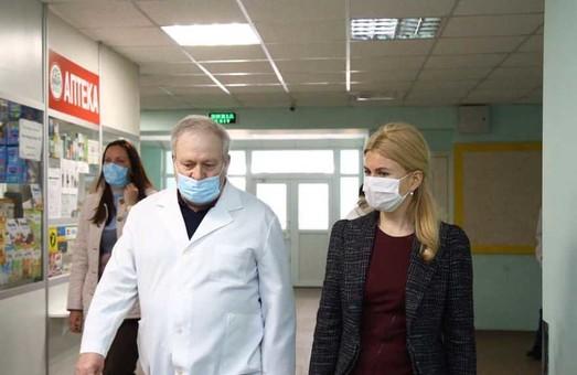 У політичні ігри навколо соцгарантій для лікарів загратися не дамо — Світлична