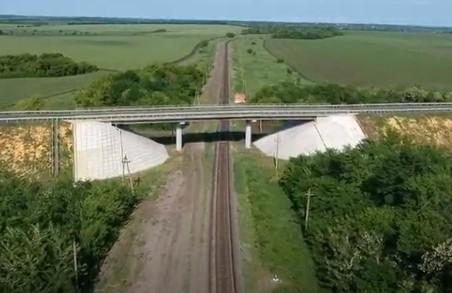 На Харківщині продовжується ремонт дороги Чугуїв-Мілове (ВІДЕО)