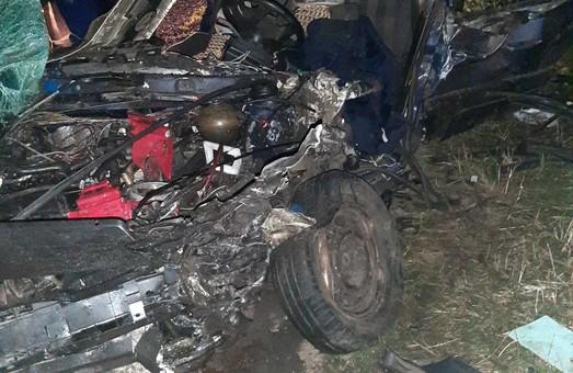 На Харківщині сталася крупна автоаварія: водія вирізали з машини