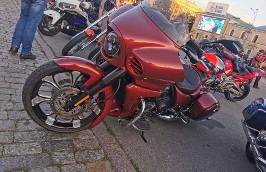 Через Харків рухаються мотоциклісти України (ФОТО, ВІДЕО)
