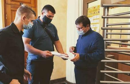 Подарунки школярам від «Блоку Кернеса»: активісти звернулися у прокуратуру (ФОТО)