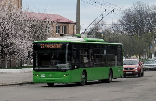 На вулиці Дудинській обмежується рух транспорту