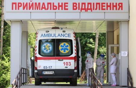 В Україні учора зафіксували майже 5400 нових випадків COVID-19, антилідер – Харківщина