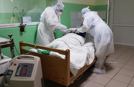 В Україні у «ковідних» лікарнях уже зайнято понад 60% місць
