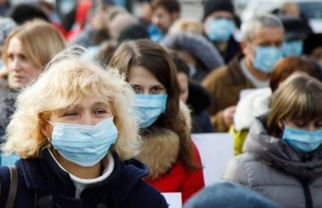 За перебування без правильно надягнутих масок у громадських місцях українці сплачуватимуть штраф
