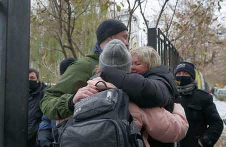 Перестрілка під Харковом: усіх нападників на автобус «зажиттяїв Киви» відпустили