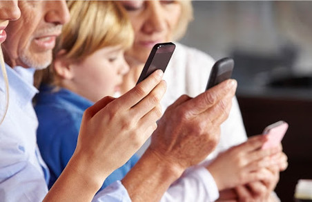 Як купити смартфони всім членам родини за один день
