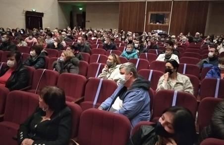 Працівники харківського моргу ледь не винесли на зборах керівника вперед ногами